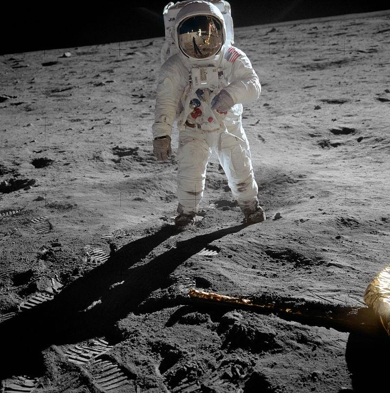 800px-Aldrin_Apollo_11_original